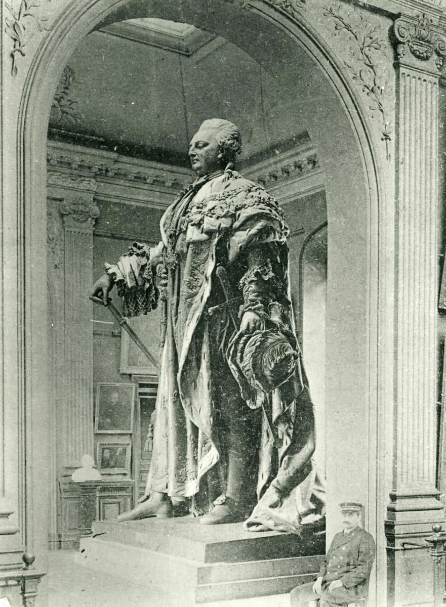 Statue de Louis XVI. Nicolas Bernard ou Nicolo Bernardo RAGGI.1829. © Musée des Beaux-Arts-mairie de Bordeaux.