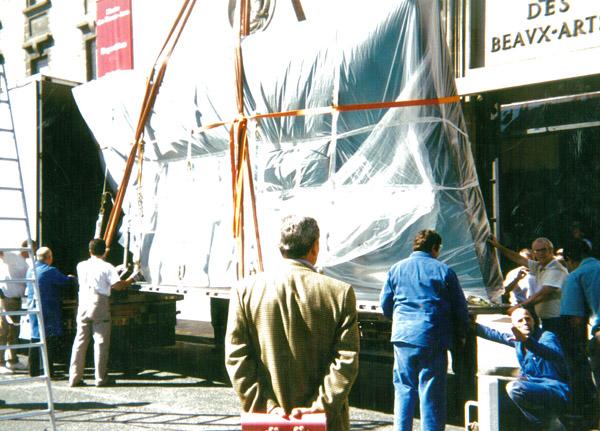 Arrivée du Marché aux chevaux de Rosa Bonheur (Metropolitan Museum de New York) à l'exposition © Documentation Musée des Beaux-Arts - Mairie de Bordeaux
